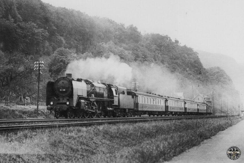 Baureihe 01 met de Rheingold