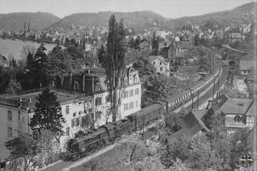 Baureihe 18.5 met de Rheingold